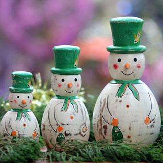 Holiday Ornaments & Decor