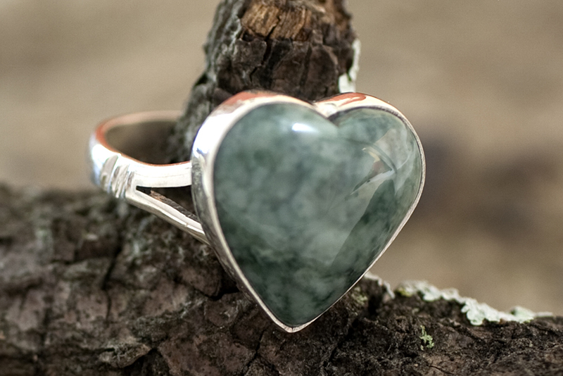 Love Immemorial Unique Heart Shaped Sterling Silver Jade Cocktail Ring