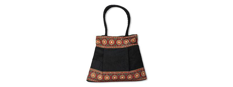 Christmas Gifts for Mom: Handbags