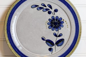 Ceramic Dinner Plates Make Perfect Gifts for Cooks