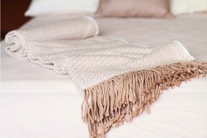 Warm Yourself With a Soft Alpaca Wool Throw Blanket