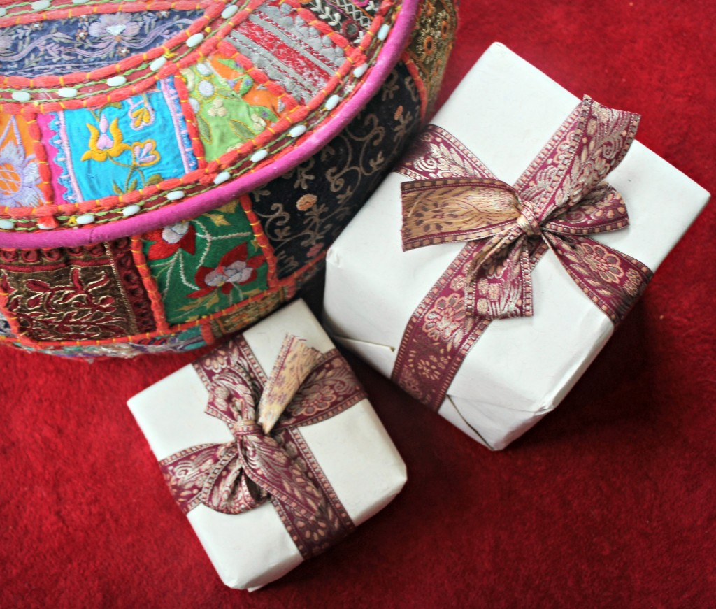novica gift wrap