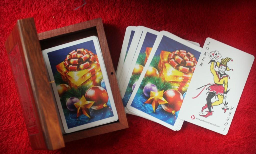 novica playing card set