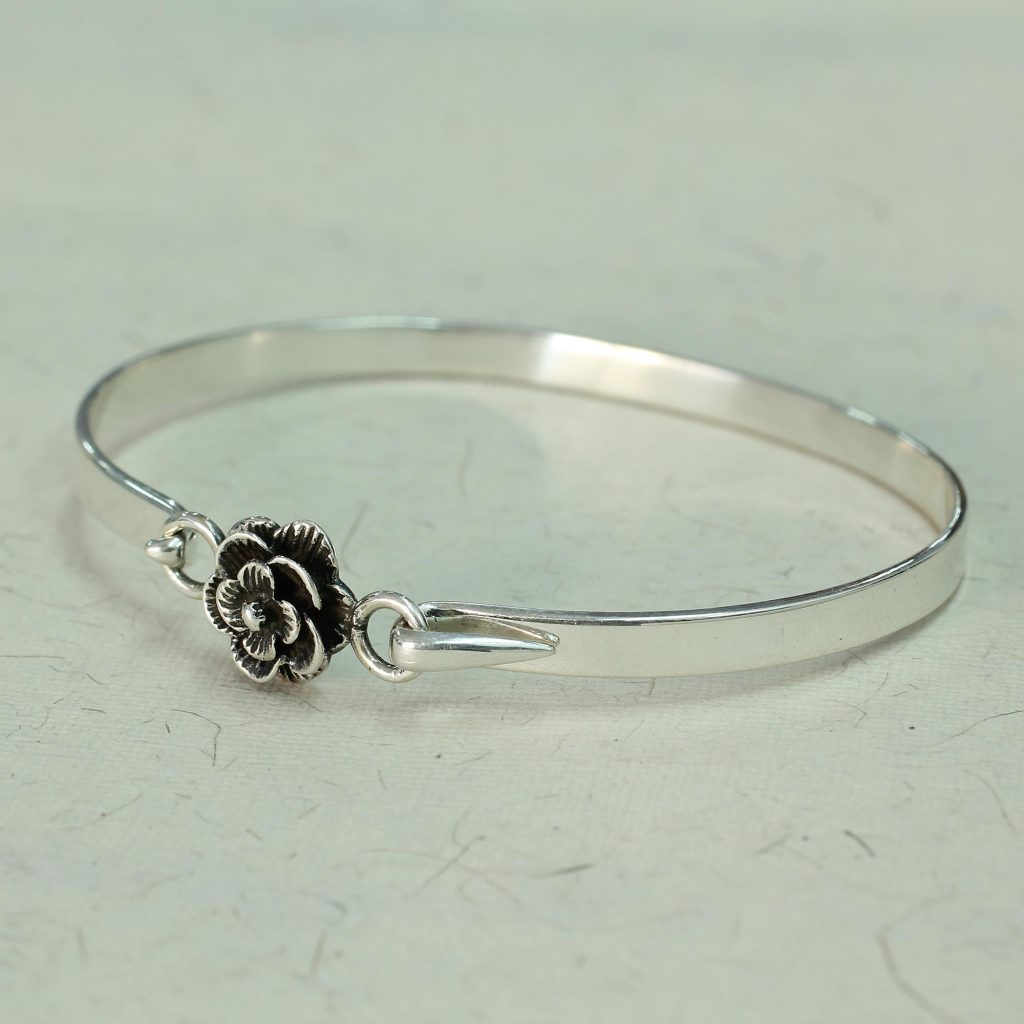 e41edd781 Hand Made .925 Sterling Silver Rose Bracelet from India, 'Rose Beauty'