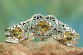Citrine cuff bracelet, 'Golden Hearts'