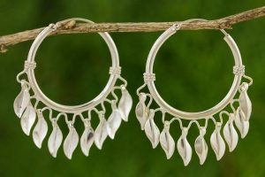 Jewelry on Trend – Silver Hoop Earrings