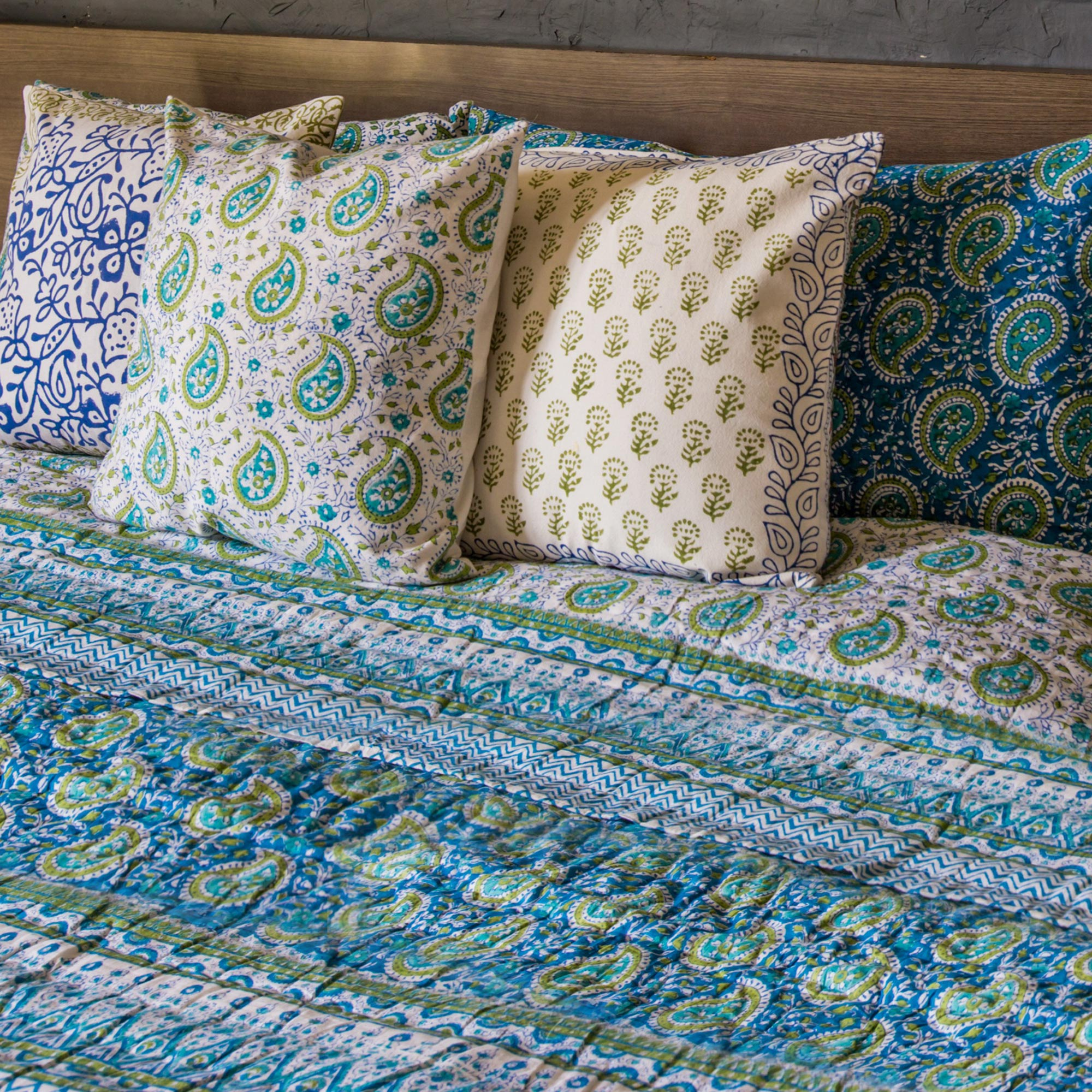 Block printed cotton quilt blanket and pillowcase set, 'Cerulean Paisleys' king -size cushion covers throws