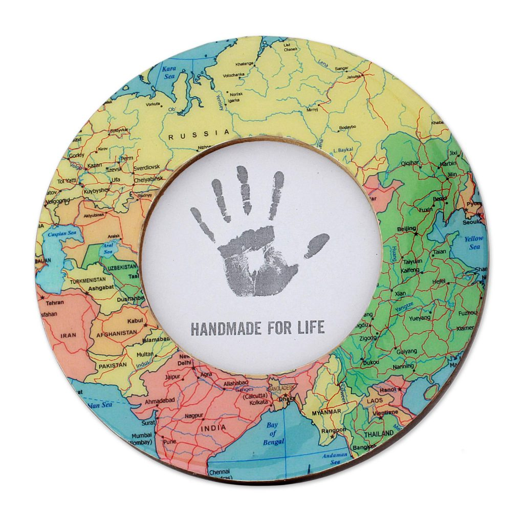 Laminated Wood Round Photo Frame of World Map (4 Inch), 'World Map' Artistic Gifts for Teachers