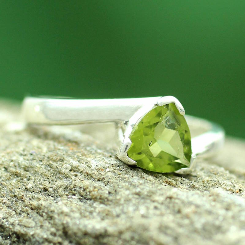Scintillating Jaipur Solitaire Peridot Ring Crafted in Sterling Silver, ring, peridot, birthstone, birthstone ring, birthstone jewelry, green what are birthstones