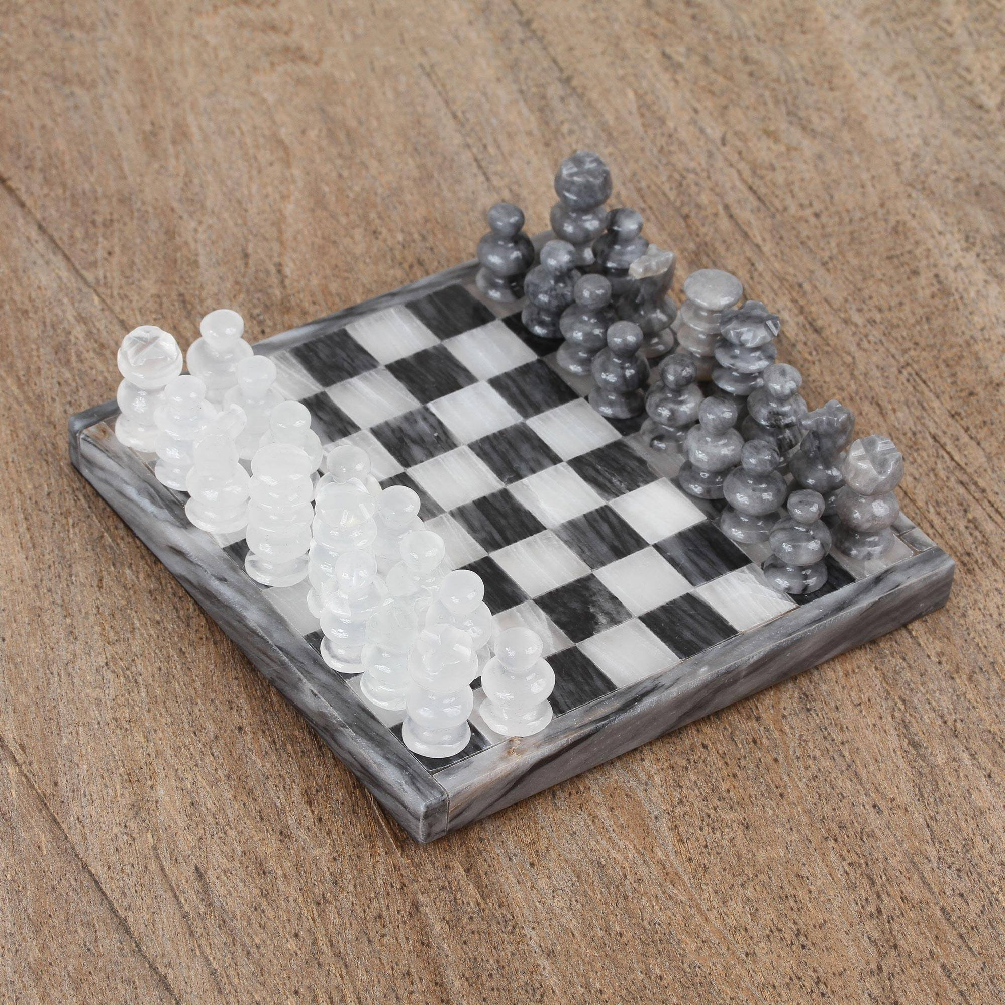 'Grey and Ivory Challenge' Handcarved Onyx and Marble Chess Set from Mexico