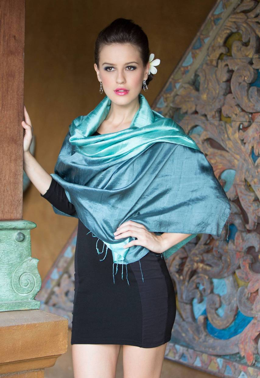 Shimmering Green Artisan Crafted Silk Shawl Matching Accessories