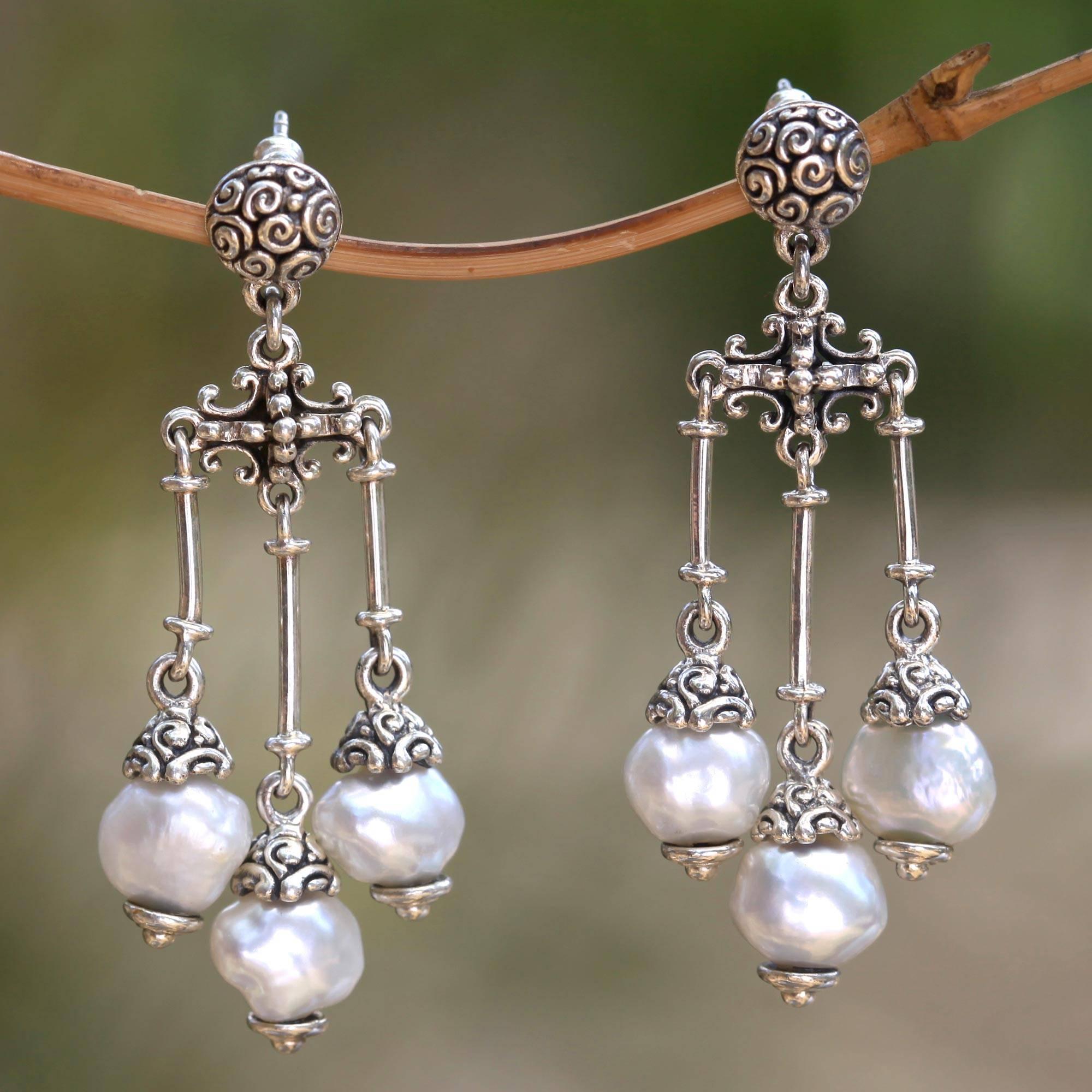 Earrings guide Trinity in White- Cultured pearl chandelier earrings