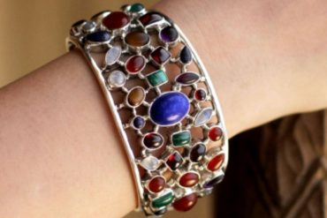 Go bright! Bold Statement Jewelry with Dazzling Gemstones