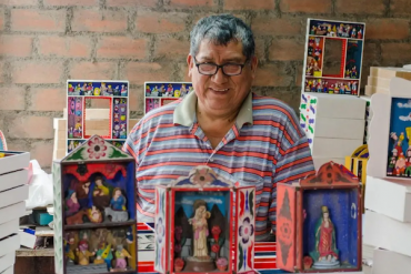 Alejandro Chavez, healing the pain of tragedy with Ayacuchan retablos
