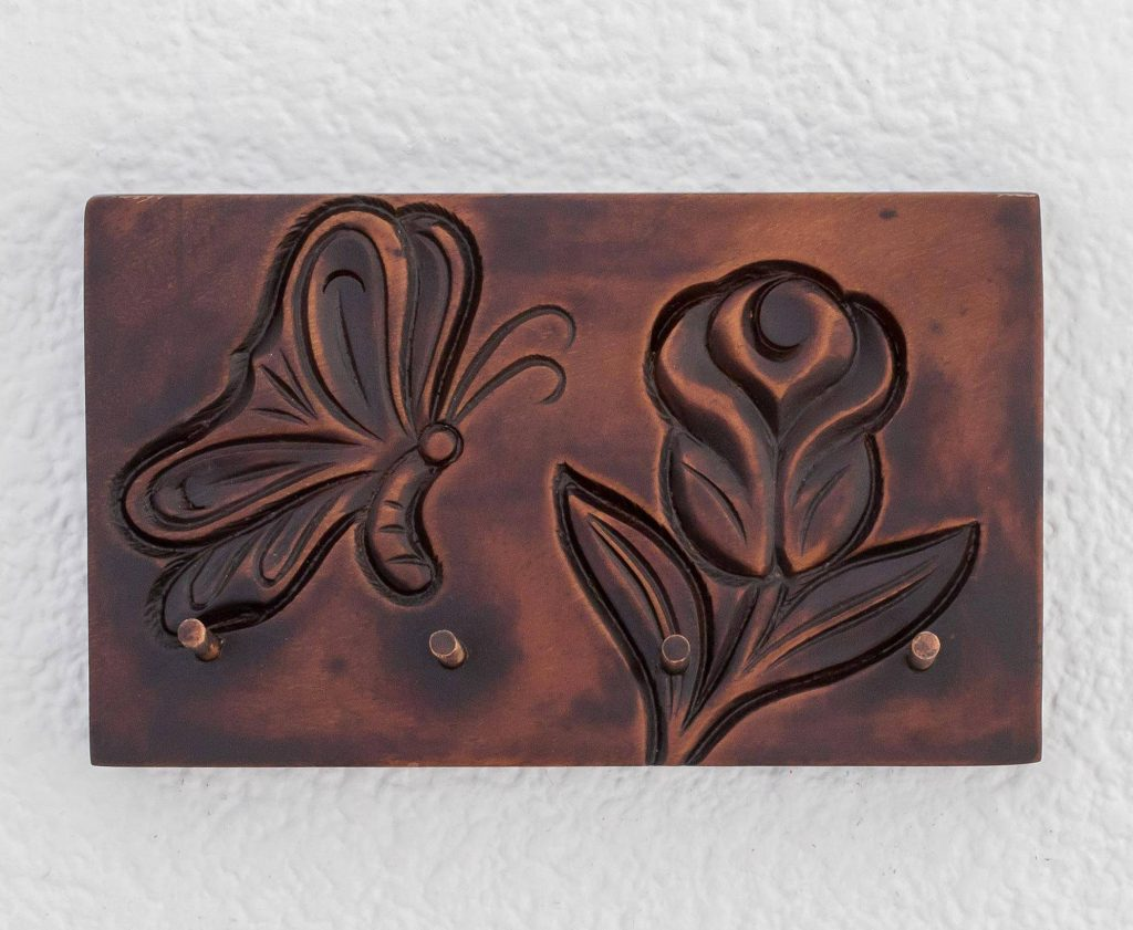 """Nature-Themed Pochote Wood Key Rack from Costa Rica, """"Costa Rican Nature"""""""