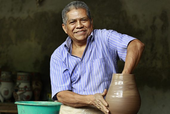 gregorio-bracamonte-artisan-pottery-ceramic-novica