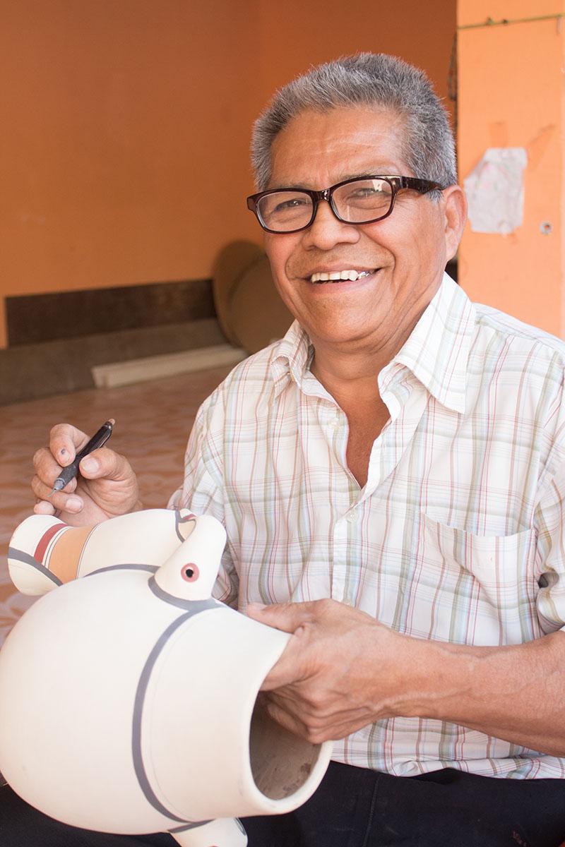gregorio-bracamonte-pottery-ceramic-novica-nicaragua