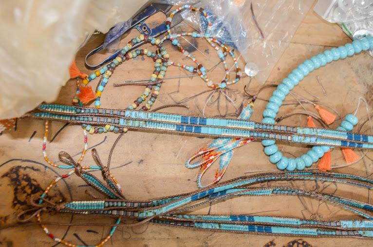 colection-novica-antigua-guatemala-atitlan-artisan-cristobal-ramirez