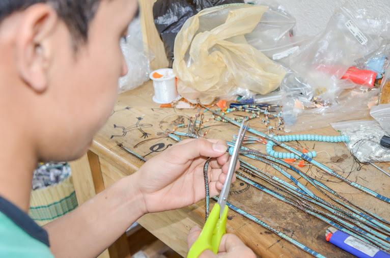 novica-guatemala-atitlan-artisan-cristobal-ramirez