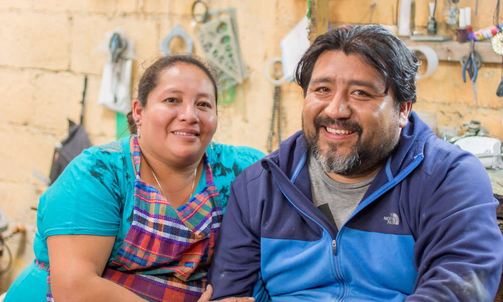Ruben and Gilda Perez - Handcrafted jade jewelry and Maya masks - Central America