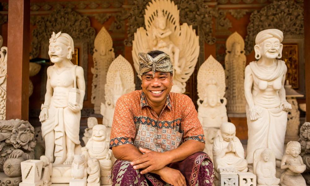 Wayan Kandiyasa - Sandstone sculptures - Bali and Java