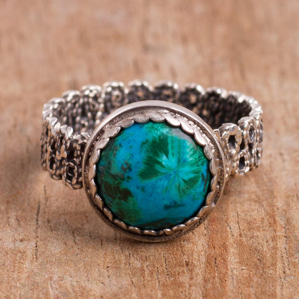 """Latin America Jewelry Chrysocolla Cocktail Ring with a Filigree Band from Peru, """"Andean Power"""""""