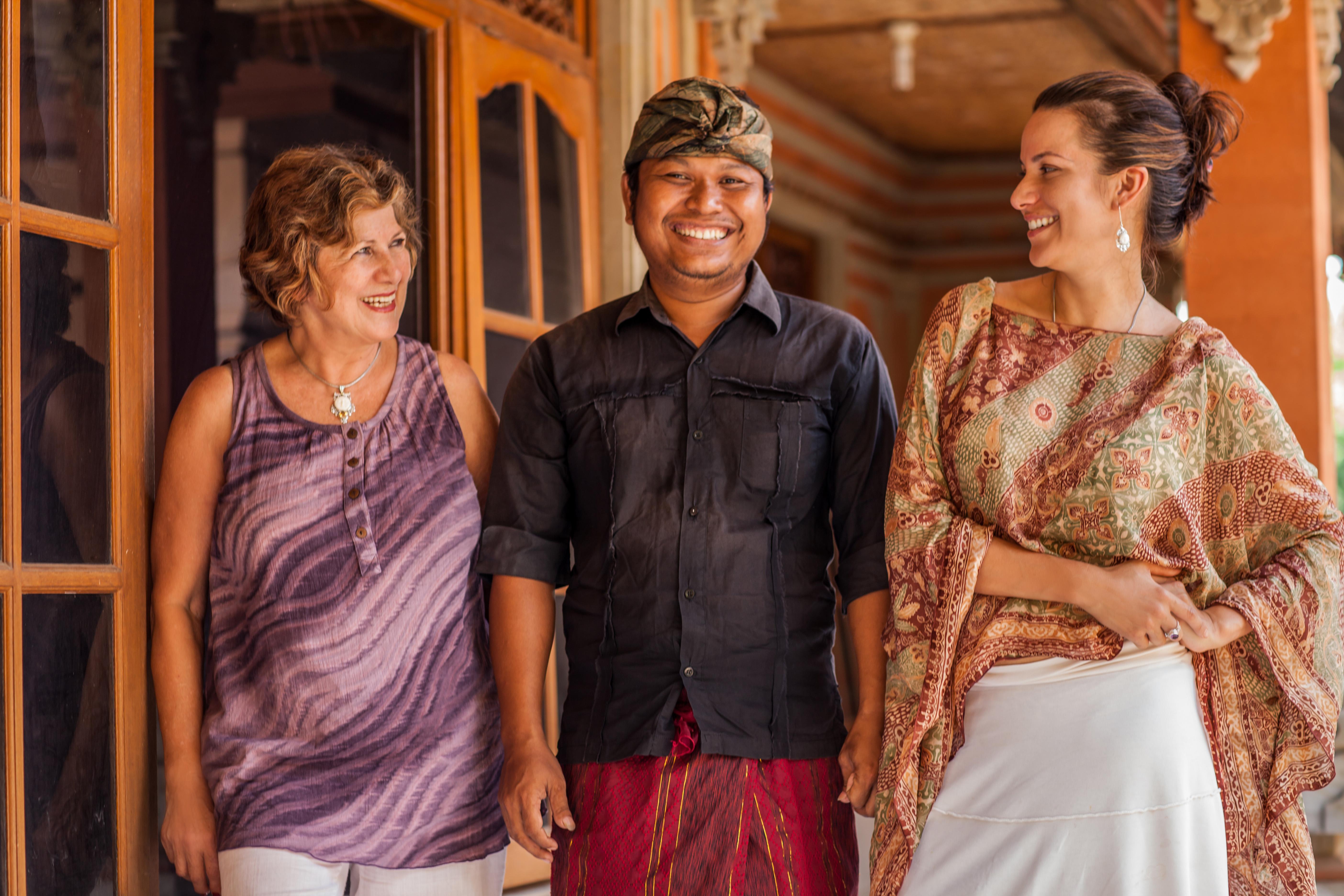 Armenia with Mina in Bali, meeting jewelry artisan Buana
